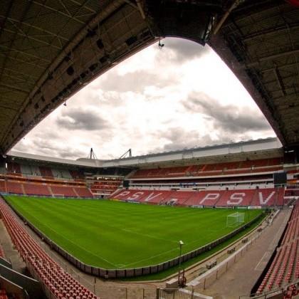 PSV-Stadion-veld.jpg
